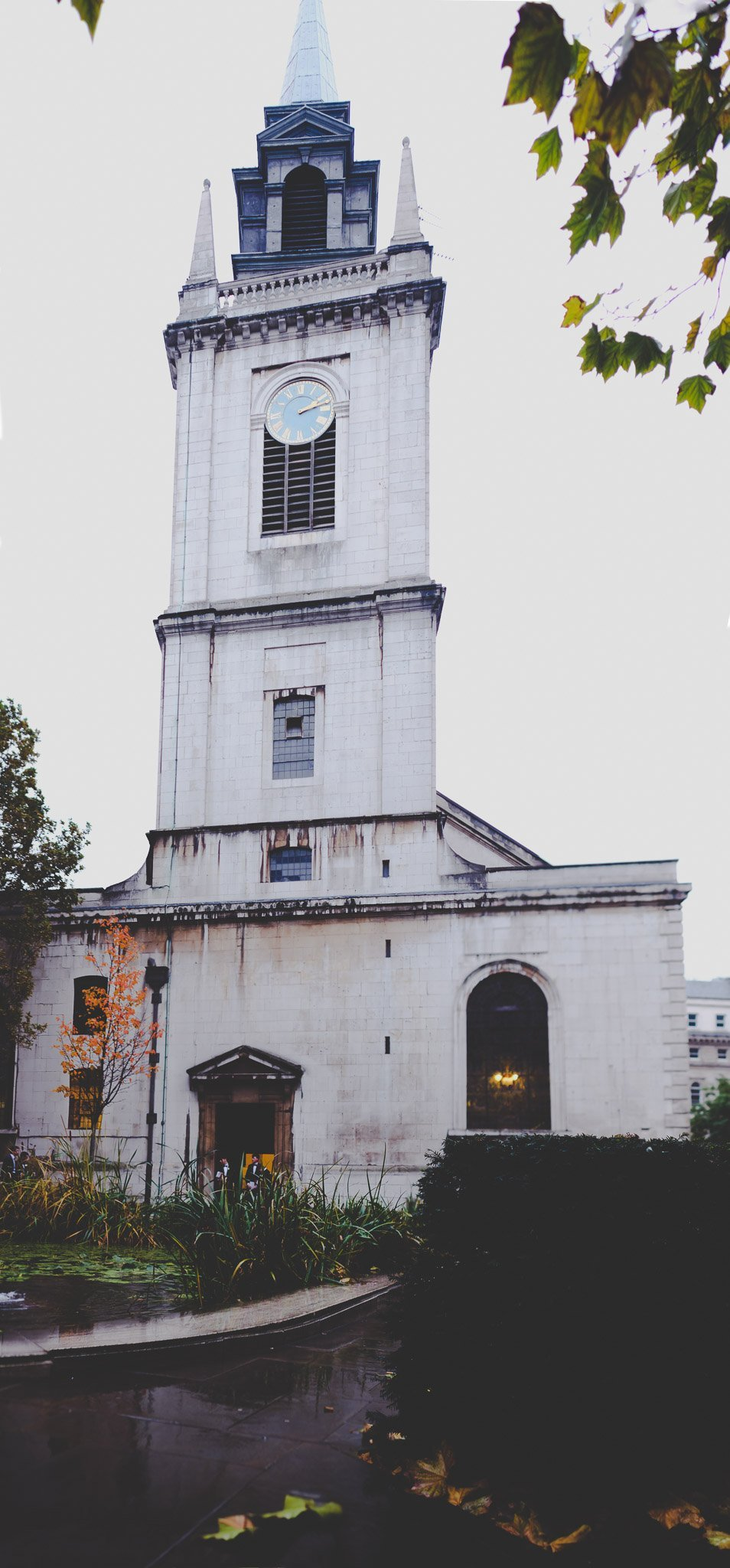 Church on a rainy day at St Lawrence Jewry wedding Guildhall