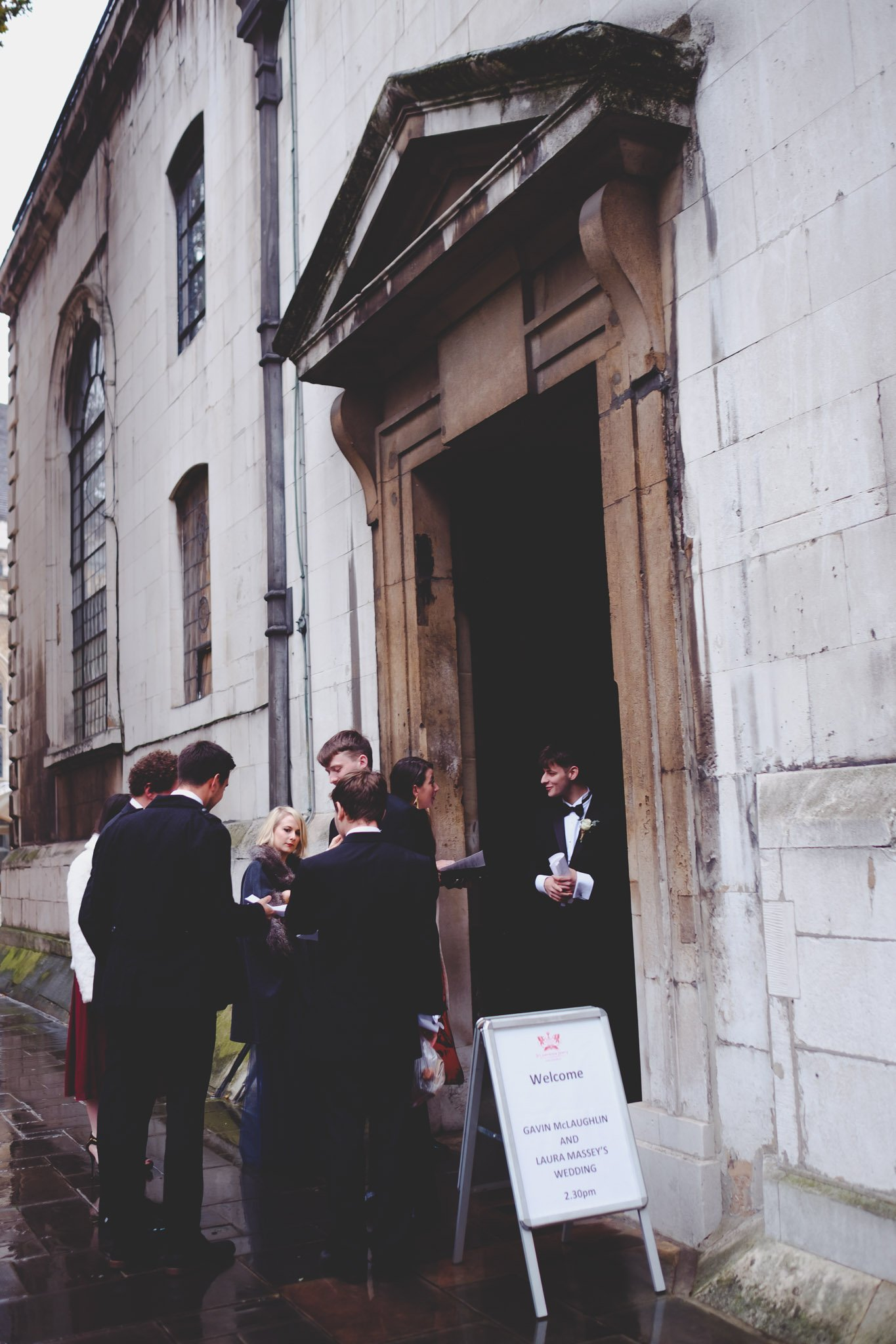 Wedding guests entering Church at St Lawrence Jewry wedding Guildhall