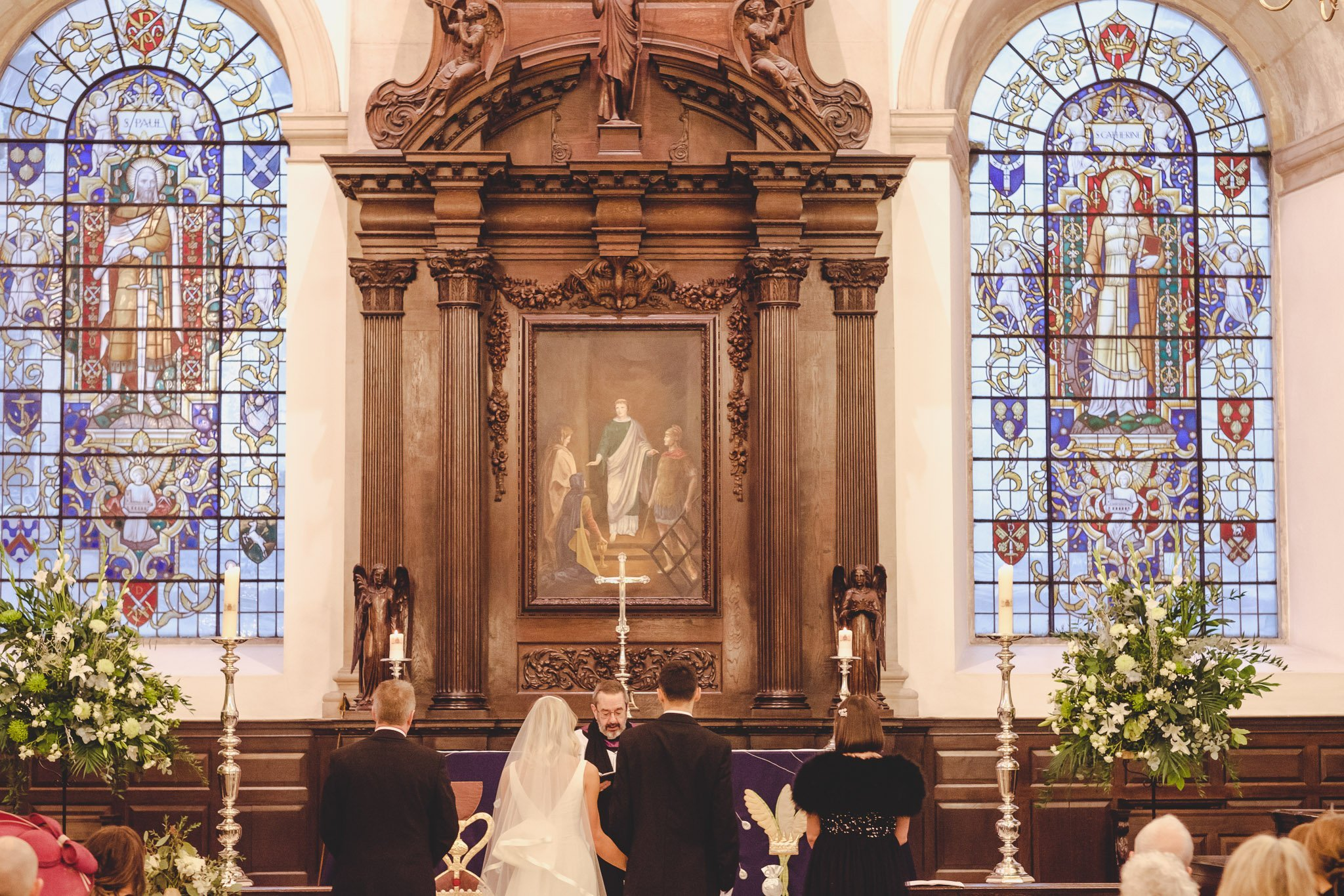 Bride & Groom at St Lawrence Jewry wedding guildhall
