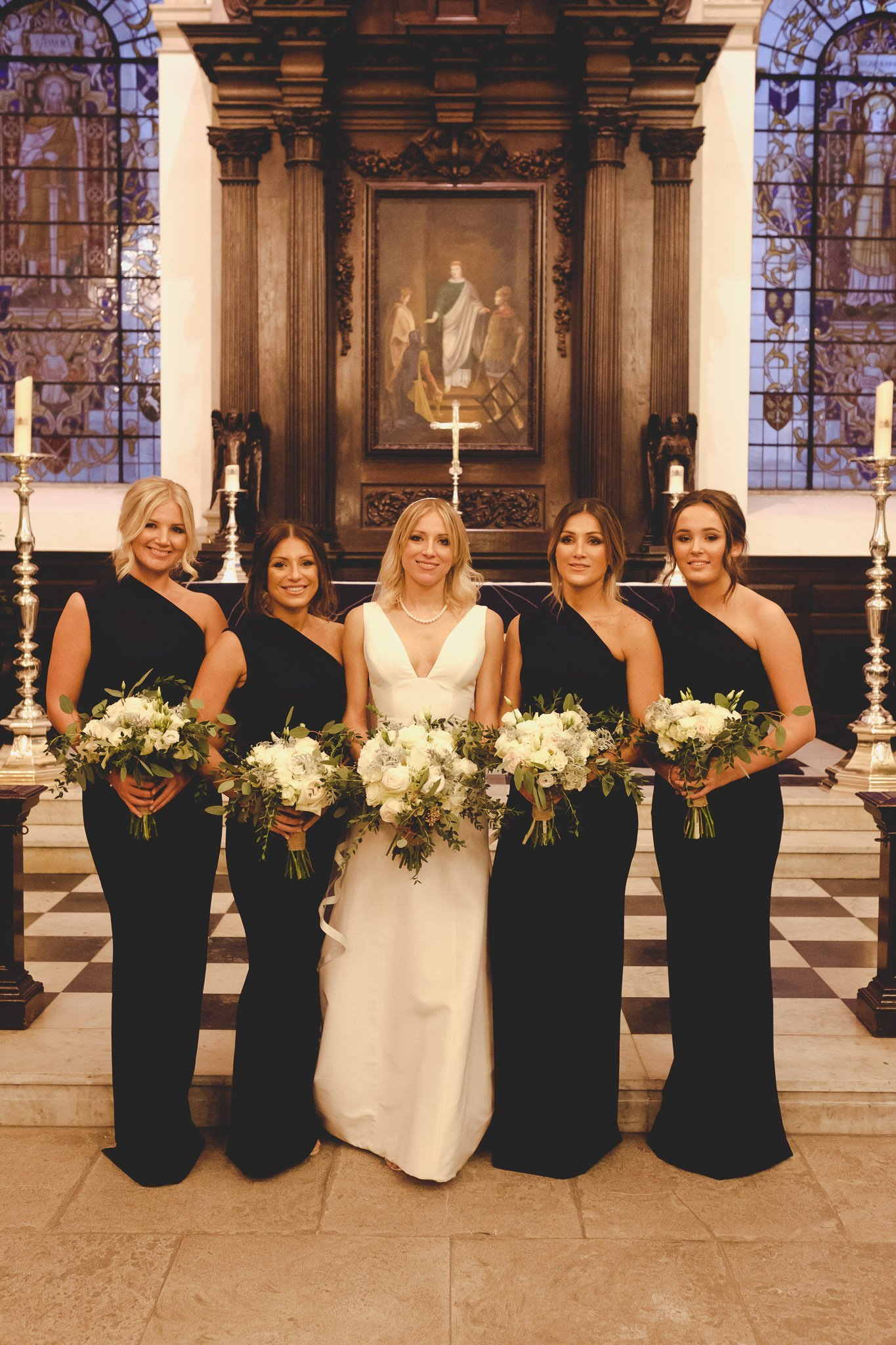 Bride & Bridesmaids at St Lawrence Jewry wedding Guildhall